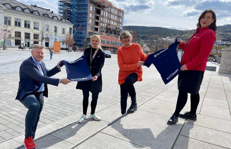"""BDO, Strømsgodset, Kirkens Bymisjon og Redd Barna står sammen om prosjektet """"Blått Hjerte"""""""