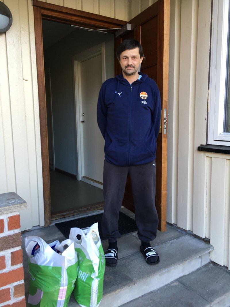 Torstein fra Gatelaget er glad for å få mat levert på døra.
