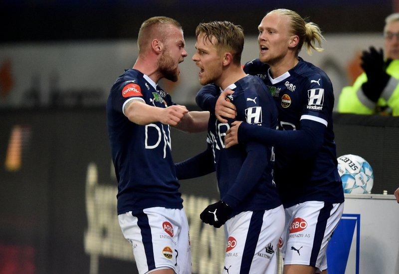 Mikkel Maigaard var sikker fra straffemerket, og utlignet til 1-1 i 1. omgang.