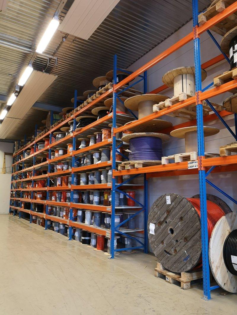 Bredt utvalg av kabel, spesialkabel, kabeltilbehør og elektriske komponenter